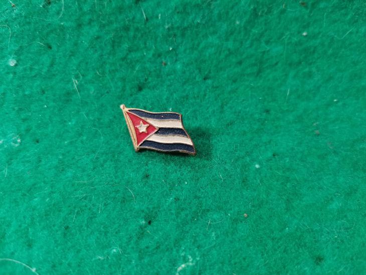 zip saček 13/ odznak -vlajka - Faleristika