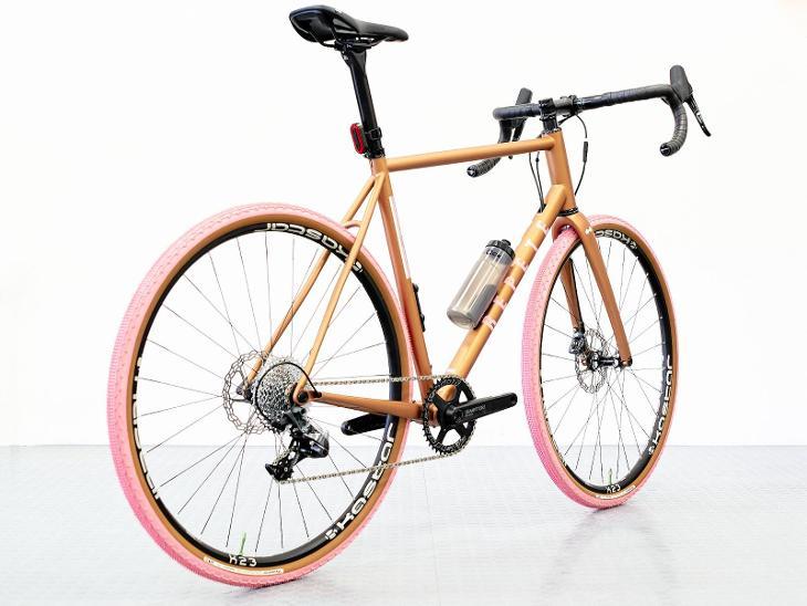 Repete Verne. Unikátní gravel bike pro obnovu lesa! - Cyklistika