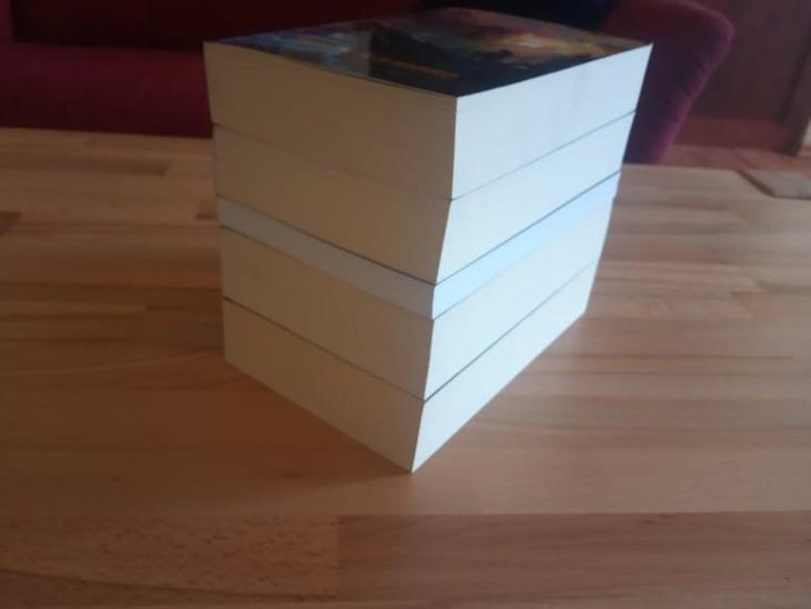 knihy ze série Malazská říše, Ian C. Esslemont  - Knihy