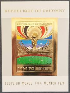 Dahomey MS fotbal 1974 , 1ks aršík gold provedení, kat.cena 40 Euro!