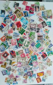 Každá jiná - poštovní známky Bundespost 290ks
