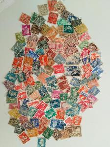 Každá jiná - poštovní známky Francie 121ks