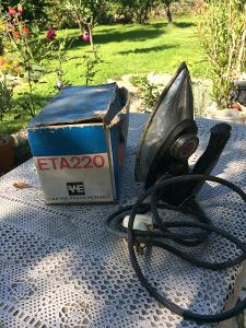 stará žehlička ETA 220