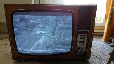 Historický černobílý televizor VIDEOTON Electronic 24 z roku 1973