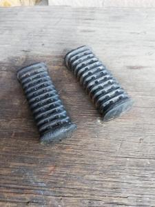 Původní gumy předních stupaček Jawa 350 634 638 640 Originál