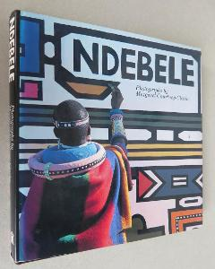 Ndebele: The Art of an African Tribe [umění jednoho afric