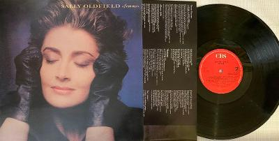 Sally Oldfield - Femme