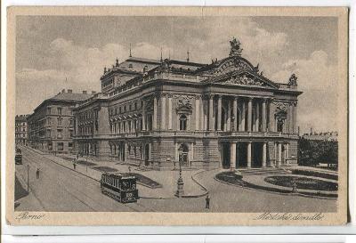 Brno, divadlo, tramvaj