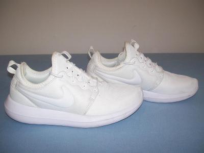 Sportovní obuv dámská  NIKE - č. 42