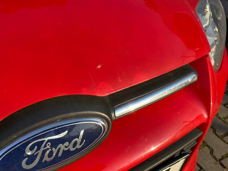 Ford focus 2012 mk3 kapota - Náhradní díly a příslušenství pro osobní vozidla