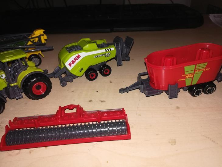 zemedelske stroje - Hračky