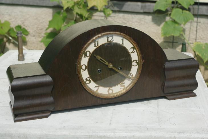 zachovalé hodiny junghans - Starožitnosti