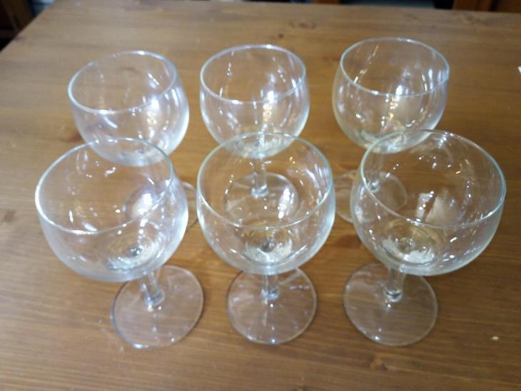 Sada 6 ks starších skleniček v perfektním stavu (od korunky) - Zařízení