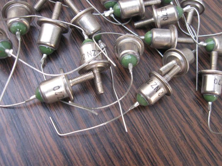 Diody 2NZ70 - dioda nepoužitá 28 kusů - Elektronika