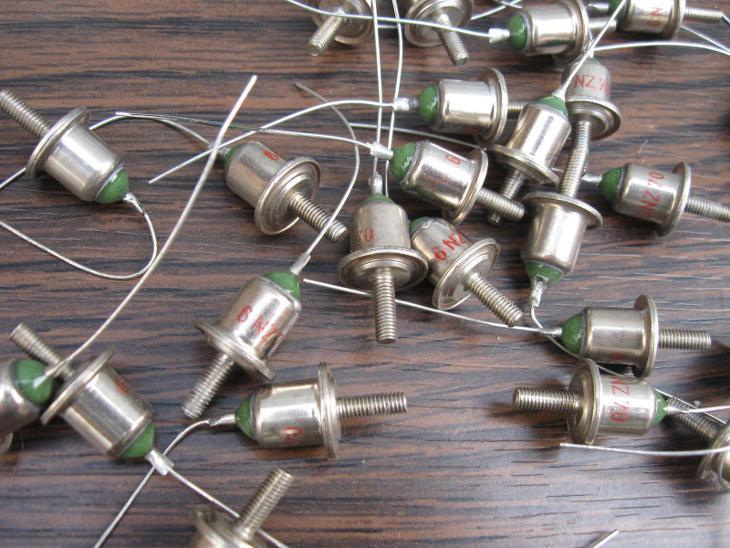 Zenerova Dioda 6NZ70 - Nepoužité 36 kusů - komplet - Starožitnosti