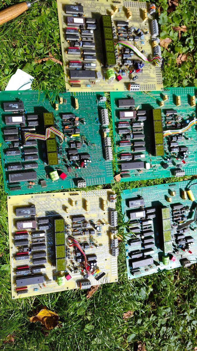 Integrovane obvody Počitačove desky  - Elektronika