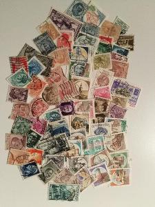 Každá jiná - poštovní známky Itálie 81ks
