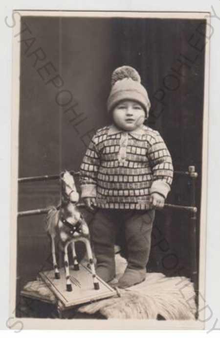 Děti - foto, hračka - Pohlednice