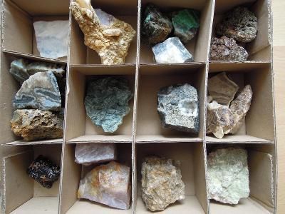 krabice minerálu _5