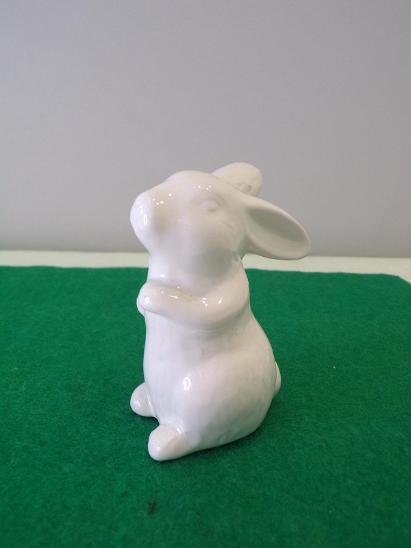 Figurální porcelán - zajíc. Značeno viz. foto. - Porcelán