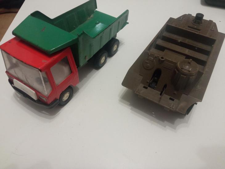 2 hračky značky IGRA!!! - Starožitnosti