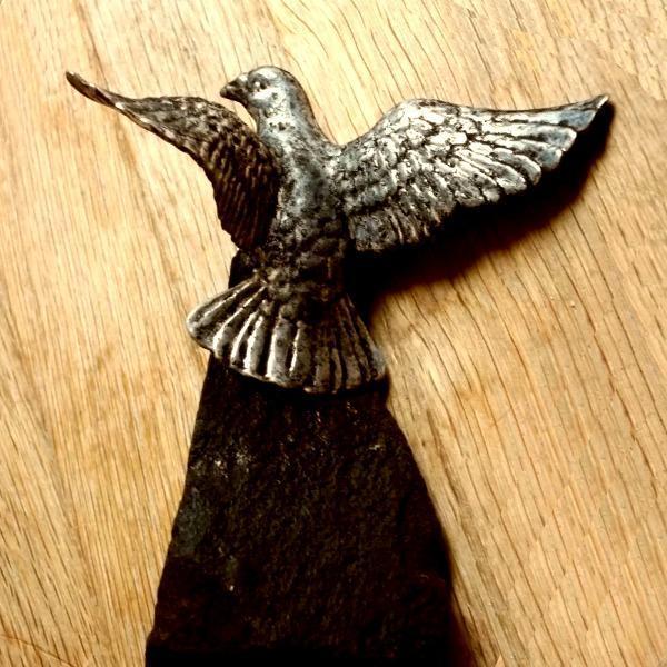 Velké Těžítko s Ptákem možná Sokol ? na těžkém kameni 120x100x80mm - Starožitnosti