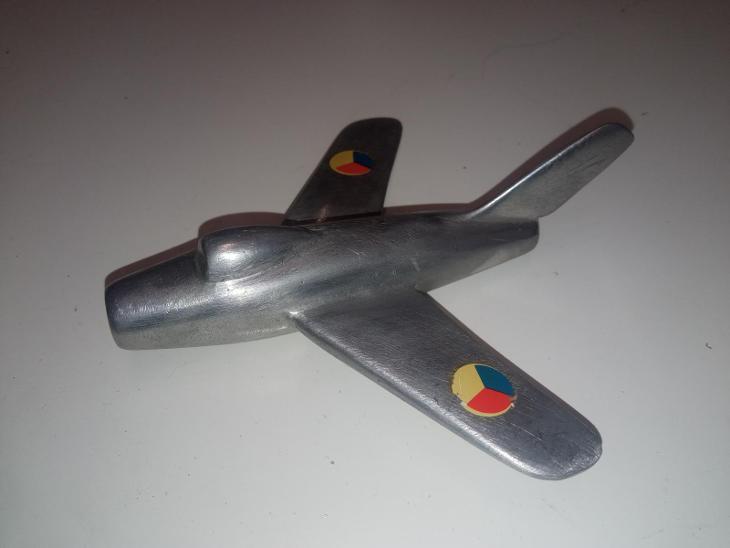 MIG-staré hliníkové letadlo-težítko retro !!! - Vojenské