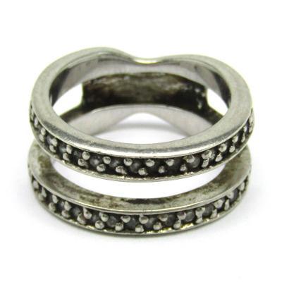 Stříbrný zásnubní a snubní prsten se zirkony