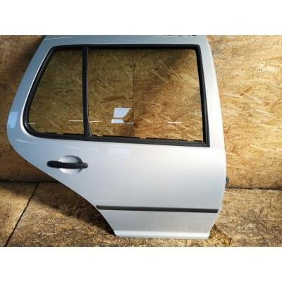 VW Golf IV HB 97- drzwi tylne prawe srebrne