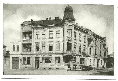 Česká Lípa  hotel U Nádráží lidé auto  rok 1920 reprint