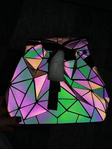 Reflexní holografický batoh