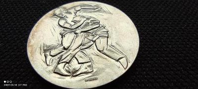 Stříbrná ojedinělá mince 999.9/1000AG, zápasnická kráska