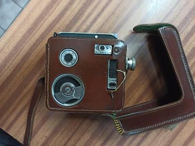 Kamera Admira v koženém obalu