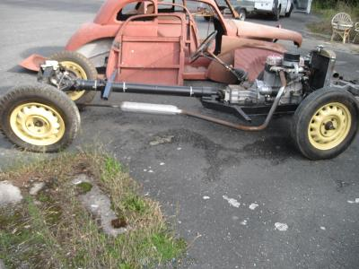 Tudor 1101 chassis před doděláním s karoserii 2x