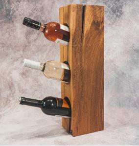 Dubový stojan na víno Fenrir, ruční výroba