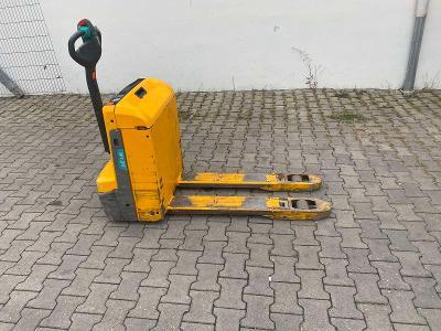 Elektrický nízkozdvižný vozík Jungheinrich EJE 116