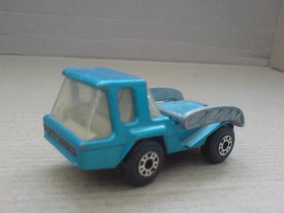 MB37-Skip Truck