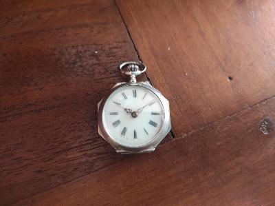 Staré krásné stříbrné kapesní hodinky - funkční - 2 plášťové