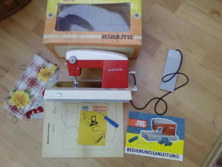 Dětský šicí stroj PIKO funkční pedál návod střihy - Starožitnosti