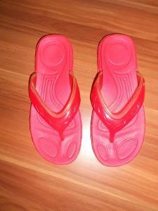 Pantofle-žabky