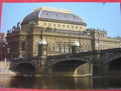 PRAHA Národní divadlo Retro