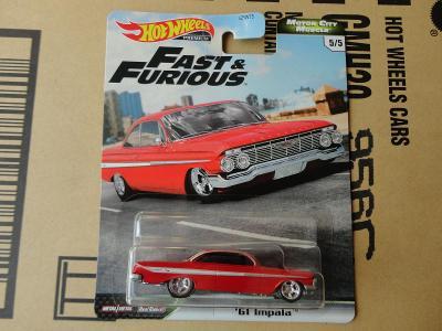Hot Wheels 61 Impala.Rozbalený.Krabička je otevřena.