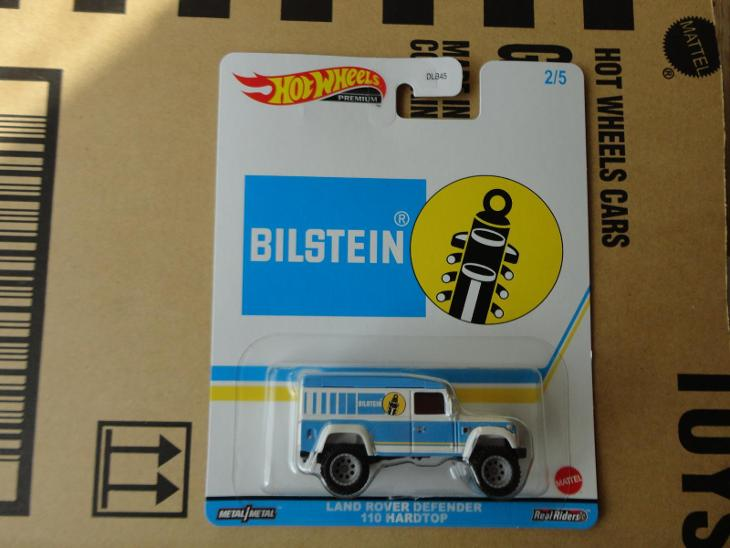 Hot Wheels Land Rover Defender 110 .Rozbalený.Krabička je otevřena. - Modelářství