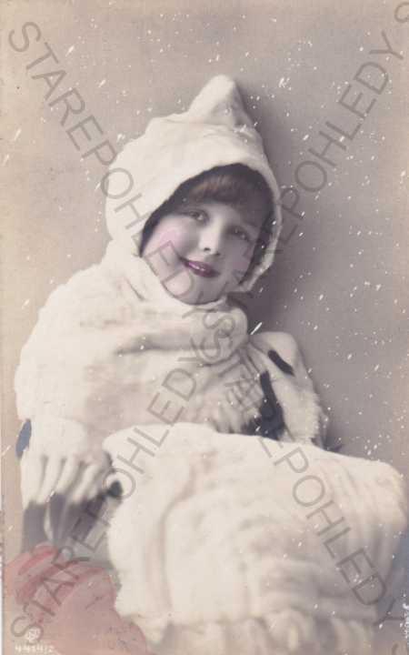 Dítě-foto, padající sníh - Pohlednice
