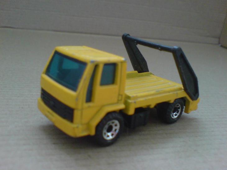 MB-Ford Cargo Skip Truck - Modelářství