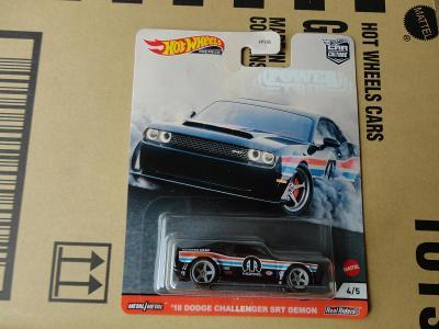 Hot Wheels 18 Dodge Challenger SRT.Rozbalený.Krabička je otevřena.