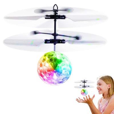 Létající disco koule / reaguje na pohyby ruky/  (7378)