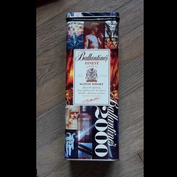 stará Milleniová plechovka od whisky stav pěkný ,kov,dnes málo vídaná - Starožitnosti