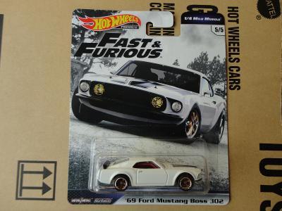 Hot Wheels 69 Ford Mustang Boss 302.Rozbalený.Krabička je otevřena.