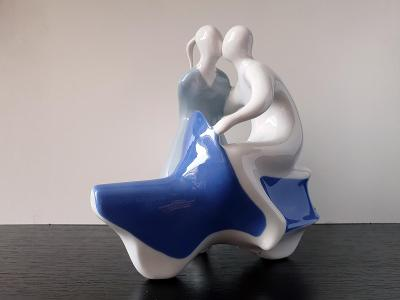 Soška - Milenci s čezetou - Royal Dux Bohemia - styl Brusel - porcelán